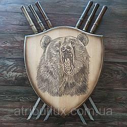 """Деревянный настенный щит с шампурами """"Медведь"""""""