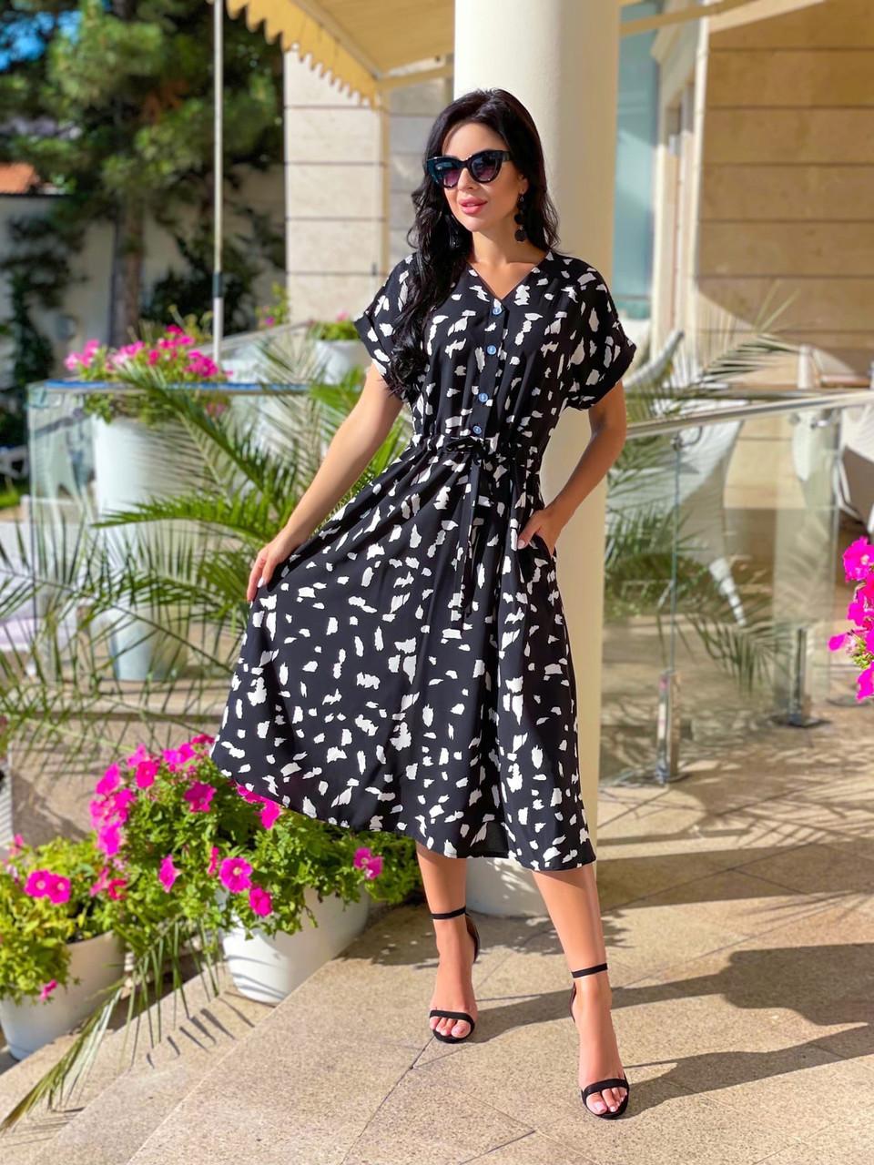 Женское платье длиною миди, талия на регулируемых завязках