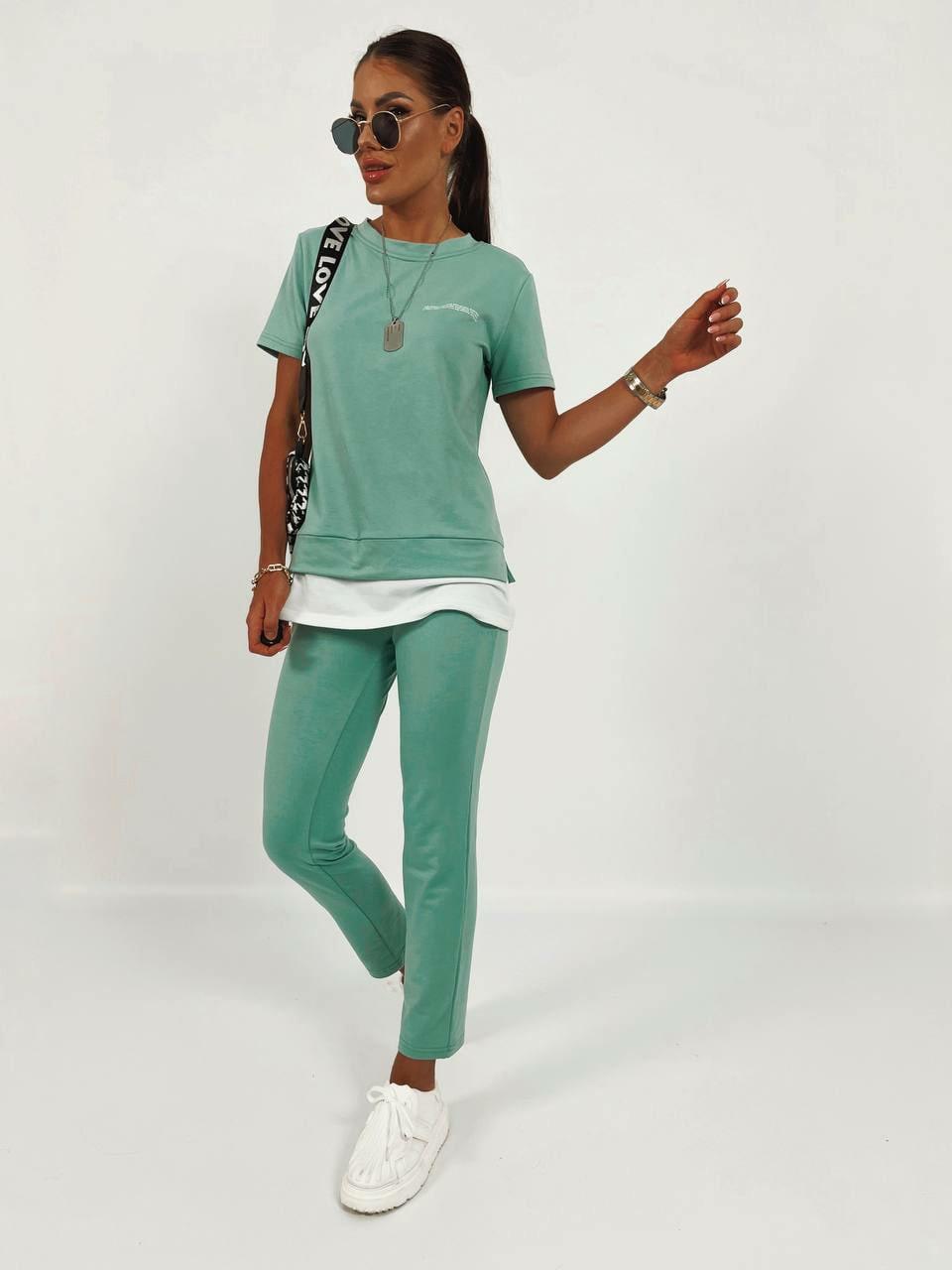 Спортивний жіночий костюм двійка з тканини двунить (футболка і штани)