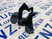 Запобіжний гак замка капота Mercedes W164, X164 A2198800064