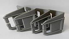 Уголок защитный квадратный (пластик)