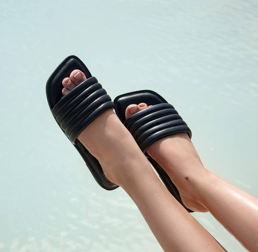 Шлепанцы женские черные квадратный носок эко кожа