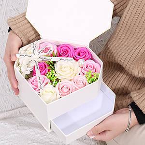 Коробка с цветами из мыла двойная L-445 White в форме бриллианта подарочная