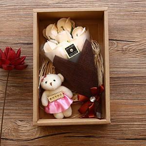 Подарочный букет 7 роз из мыла Lesko X1-1 White с мишкой для девушек