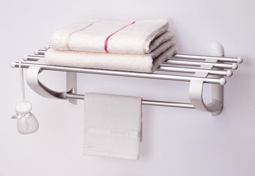 Полка для полотенец 50 см белого цвета