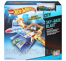 Трек Повітряна база Hot Wheels Sky-Base Blast Track Set