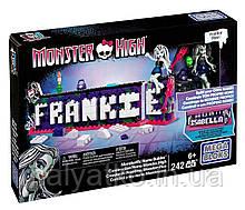 Монстрический конструктор имени Mega Bloks Monster High Monsterific Name