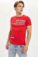 Красная мужская футболка Defacto/Дефакто с надписью Sky Rider, фото 1