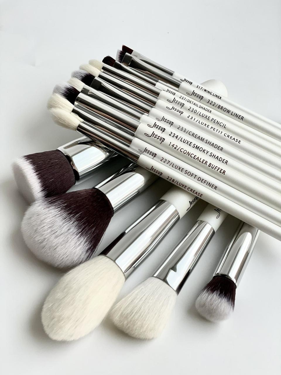 Набор кистей для макияжа Jessup White  15шт