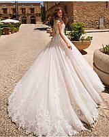 Свадебное платье с кружевом по юбке