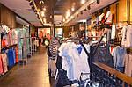 Как открыть свой магазин одежды?