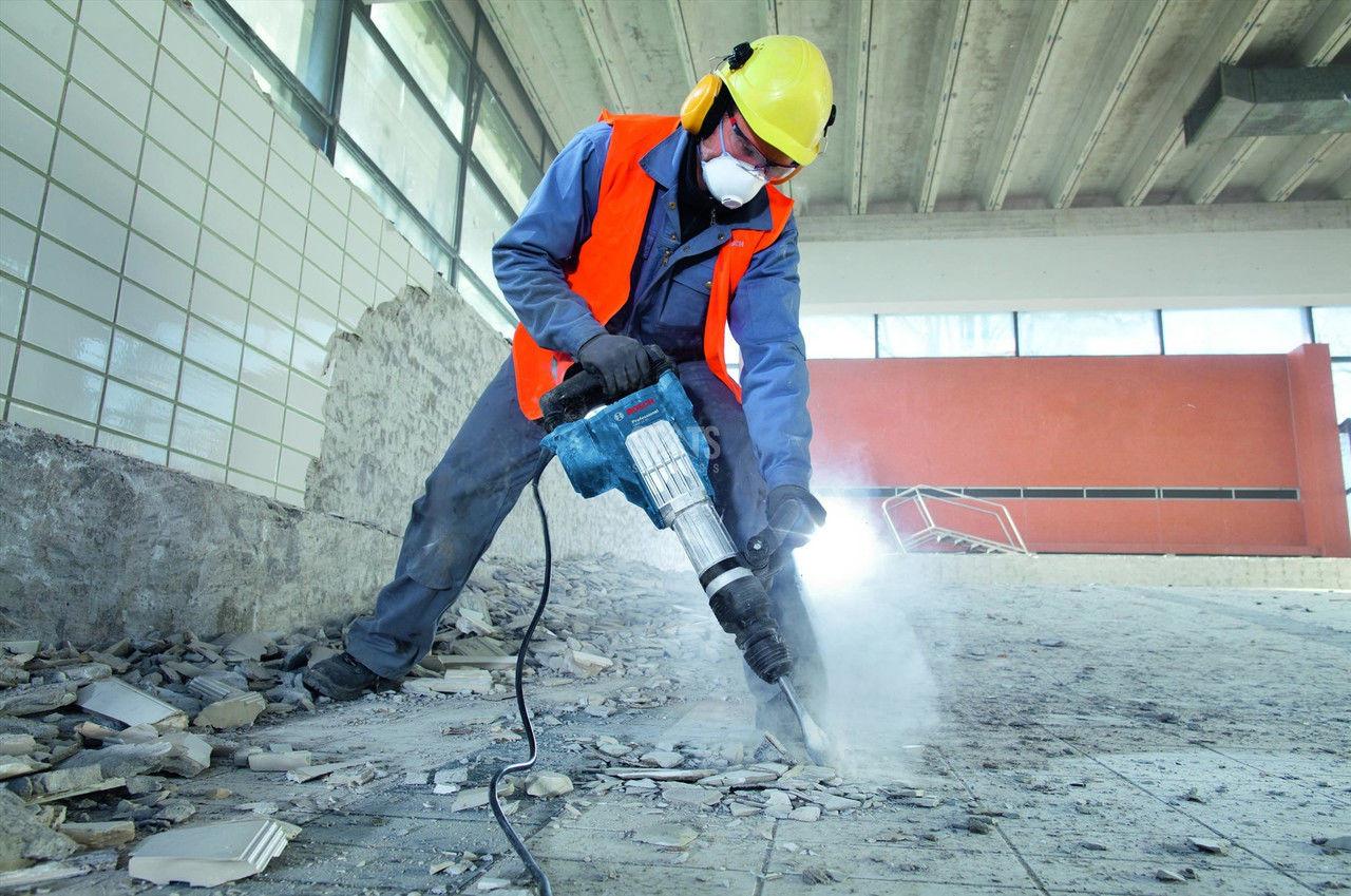Демонтаж железобетонных конструкций с применением механизмов