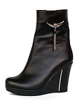 Ботинки женские кожаные зимние на танкетке