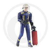 Пожарный Bruder пожарник