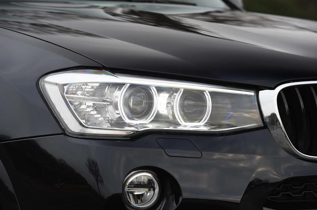 Пластикове скло фари BMW X4 (F26) 2014-2018 праве (пасажирський)