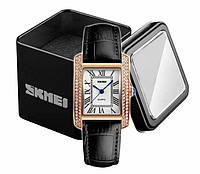 Наручные женские часы Skmei 1281 на кожаном черном ремешке в золотом корпусе