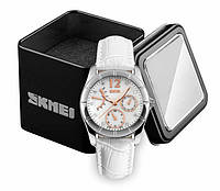 Наручные женские классические аналоговые часы Skmei 6911 c кожаным белым ремешком