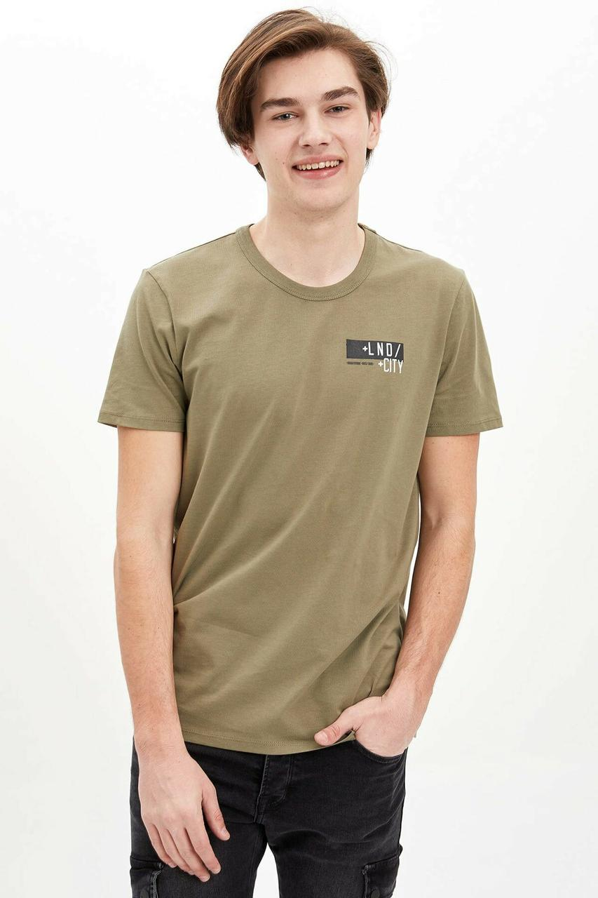 Мужская футболка цвета хаки Defacto/Дефакто