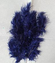 Перья декоративные темно-синий (5-8 см) 100 шт