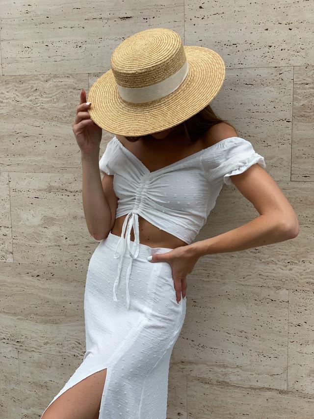 Модный летний костюм для женщин с топом и юбкой