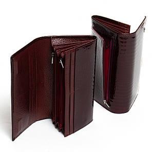 Кожаный кошелек на магните женский лаковый с двумя монетницами Бордовый Sergio Torretti  W501-2, фото 2