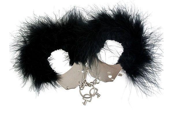 Наручники металлические Adrien Lastic Handcuffs Black с черной пушистой отделкой Bomba💣