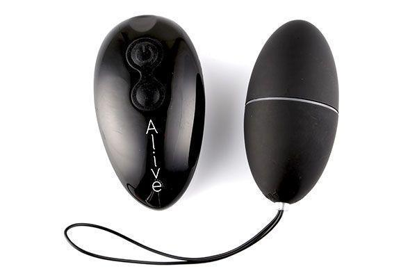 Виброяйцо Alive Magic Egg 2.0 Black с пультом ДУ Bomba💣