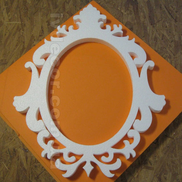 Рамка для свадьбы (№15 из каталога рамок) изготовлена из обычного пенопласта марки 35 без покраски. Размер рамки 70х55х3 см