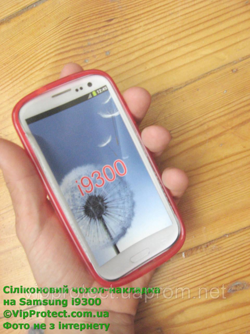 Samsung i9300, красный_силиконовый чехол Galaxy S3