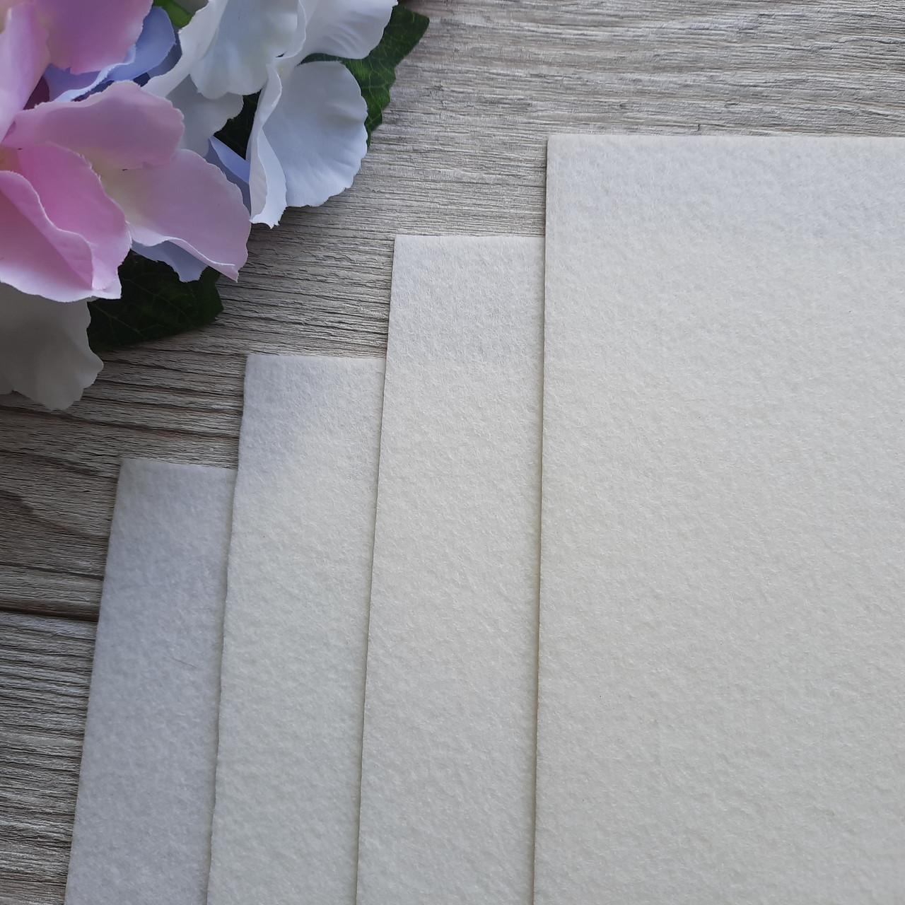 Фетр корейский жесткий 1.2 мм, 20 на 30 см Молочный