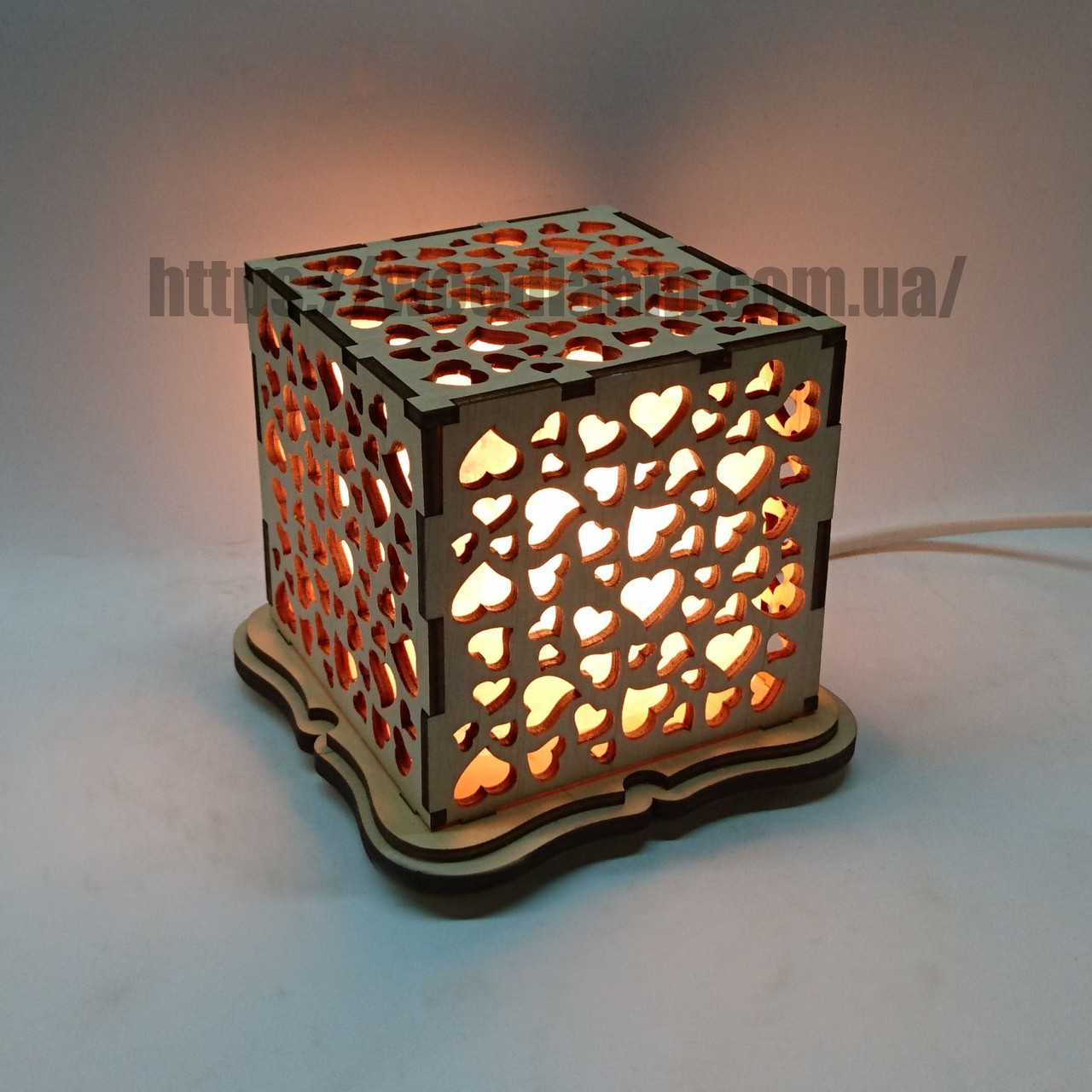 Соляний світильник Куб Сердечка