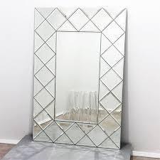 Лазерная гравировка металла, стекла, зеркал, дерева, кожи, камня