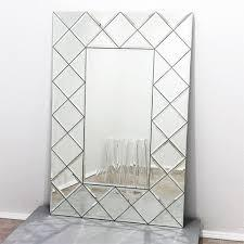 Лазерне гравірування металу, скла, дзеркал, дерева, шкіри, каменю