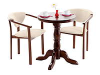 Кресло деревянное мягкое