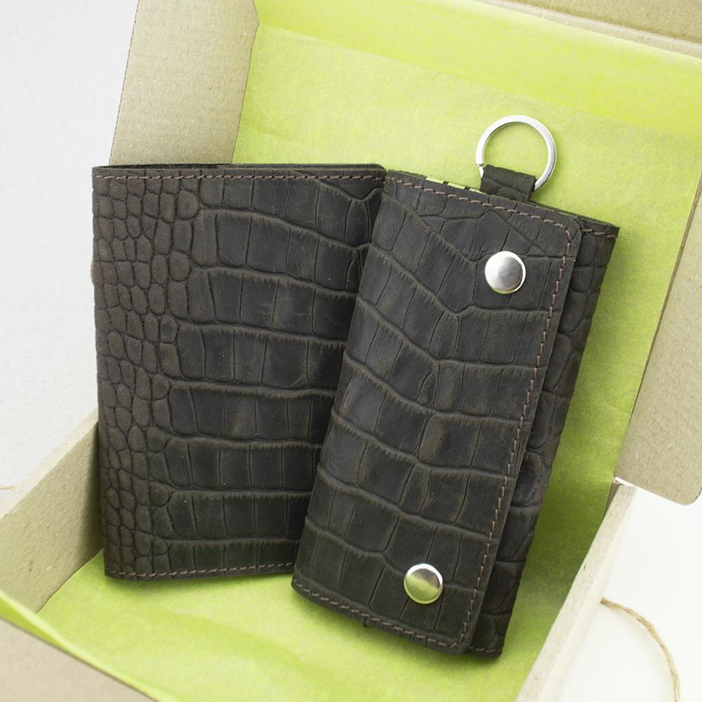 Подарочный набор №18: Обложка на паспорт Lika + ключница Lika (коричневый крокодил)