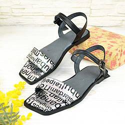 Босоніжки жіночі на низькому ходу, квадратний носок