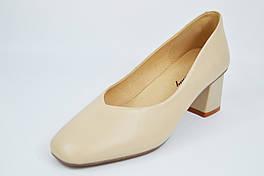 Туфли лодочки на невысоком каблуке Berkonty 9186 36 Бежевые кожа