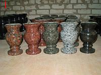 Точеные изделия из гранита, вазы, шары, лампадки.