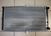 Радиатор охлаждения карбюраторный ВАЗ 2110 2111 2112 новый