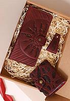Подарунковий набір шкіряний червоний (клатч-гаманець, обкладинка для паспорта, брелок, листівка) ручна робота