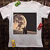 Чоловіча футболка з принтом - Вид на Місяць