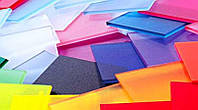 Цветной монолитный поликарбонат: характеристики и применение