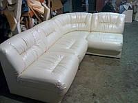 Угловой диван из искусственной кожи