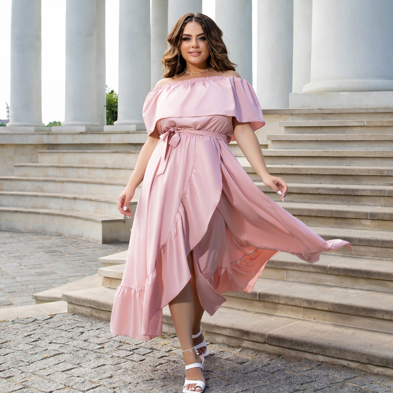 Лёгкое нарядное платье в пол с шикарным воланом