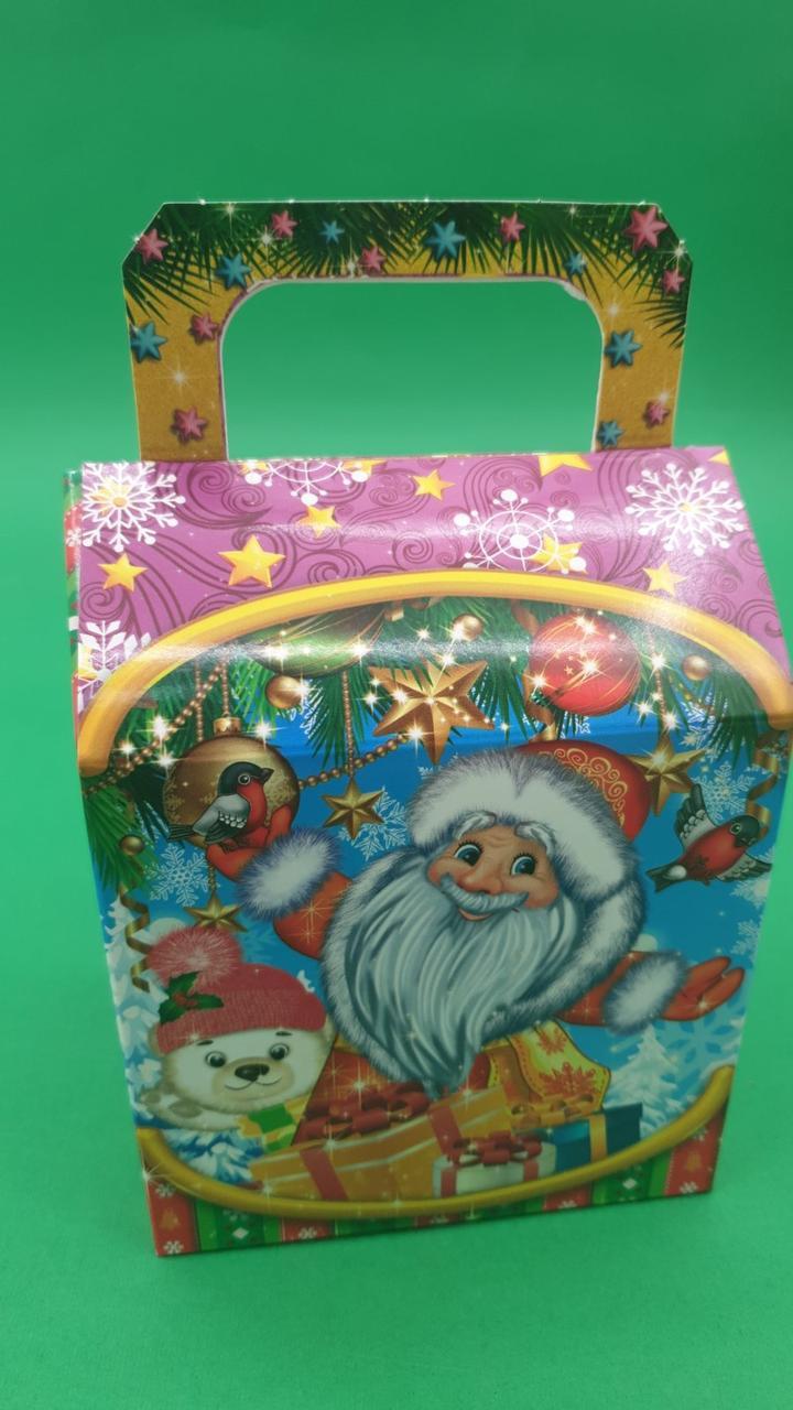 Новорічна коробка для цукерок№238( Санта і снігурі)на 400грам (25 шт)
