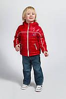 Детская куртка демисезонная красного цвета с капюшоном