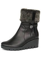 Зимние кожаные ботинки на танкетке с опушкой