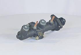 Циліндр гальмівний головний ГАЗ 53,3307 2-секц. (без бачка) фірм. упак. (купівельної ГАЗ) (арт. 53-11-3505211-01)