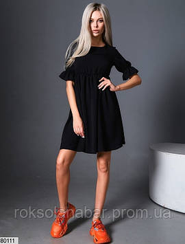 Платье мини черное свободного кроя с короткими рукавами