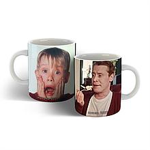 Чашка Один дома мем, новогодняя чашка